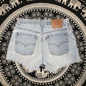 Levi's | Vintage 550 Reconstructed Denim Short 💙